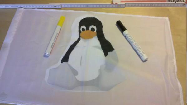 Linux Tux Autofahne Schritt 1